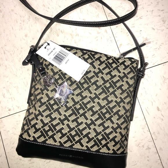 Tommy hilfiger cossbody bag